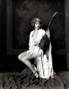 Ziegfield Follies, photo by Alfred Cheney Johnston