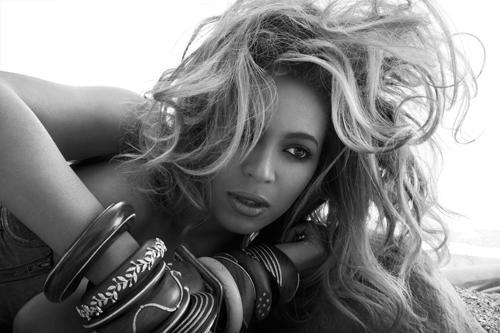 """Beyoncé devant la plateau de """" Access Hollywood """" cette nuit"""