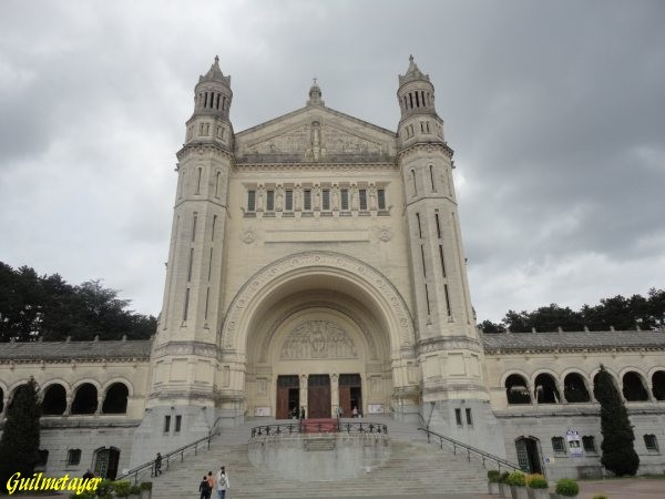 basilique-Ste-Therese Lisieux