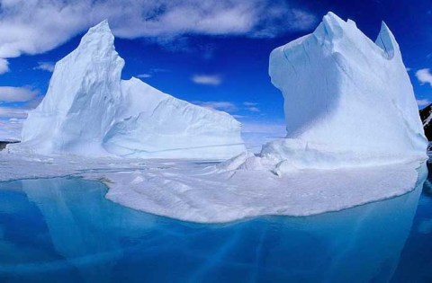 ICEBERGS GEANTS EN ANTARCTIQUE