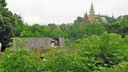 Cimetière bouddhique au Myanmar