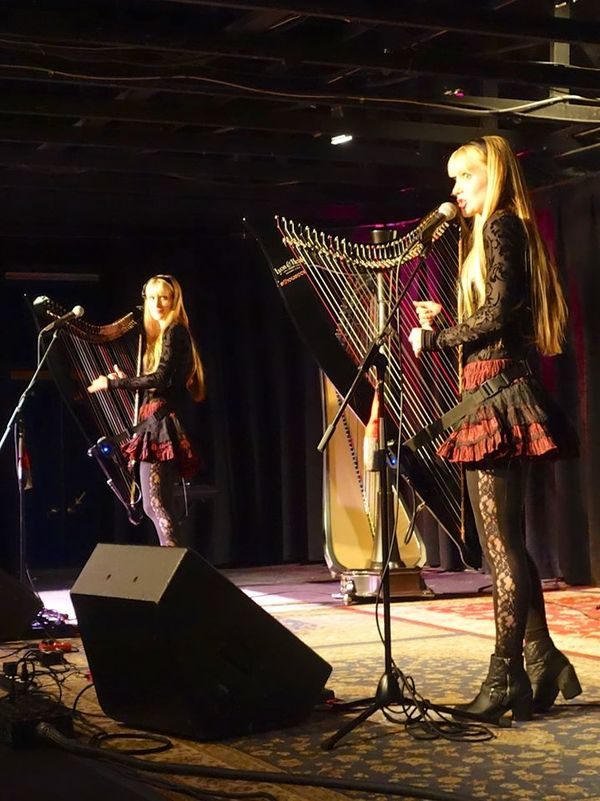 Camille et Kennerly - Harp Twins