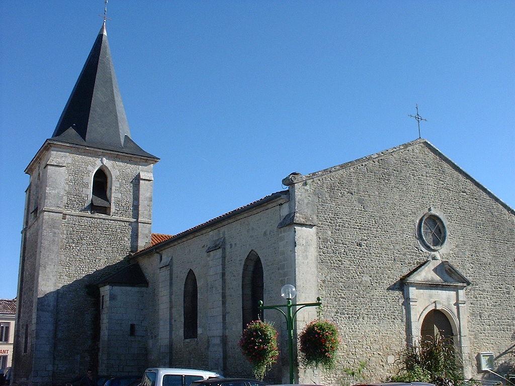 Eglise de saujon.JPG