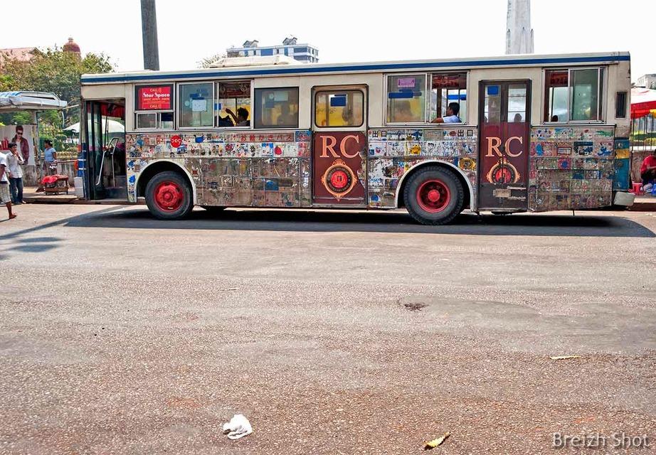 Bus Rangoun