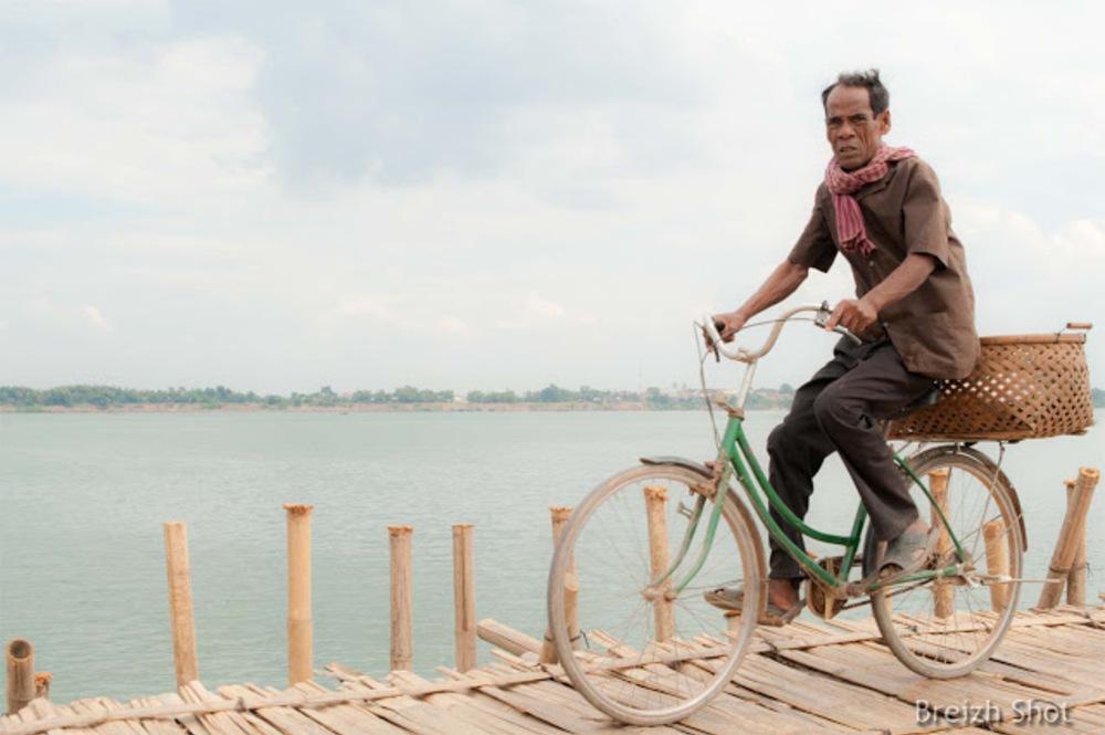pont  bambou  Kampong Cham - La bicyclette verte