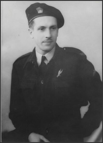 *   Denis GENESTAL DU CHAUMEIL des Forces ariennes Française Libre - Un visage sur un nom