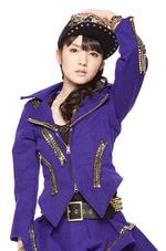 Reina Tanaka et Michishige Sayumi dans TOWER RECORD COMMUNE