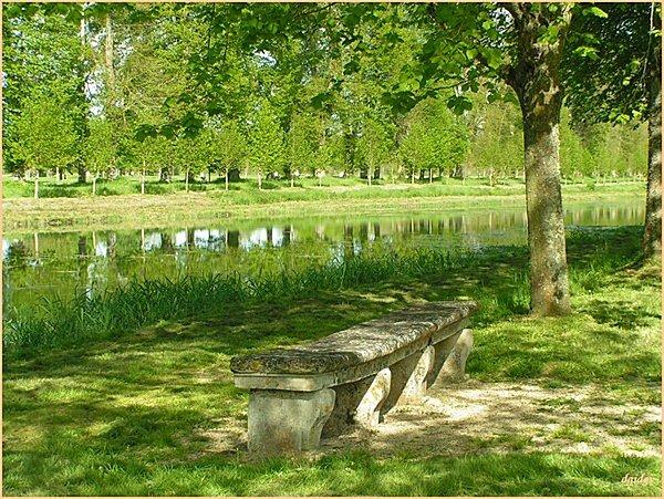 Coussegrey-.banc-chateau-210-.jpg