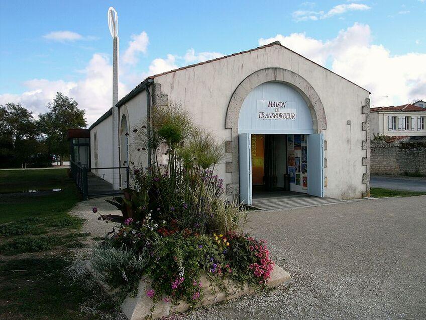 570 - Maison du pont transbordeur - Echillais.jpg