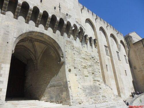 Echappée belle Avignonnaise. Le palais des papes.