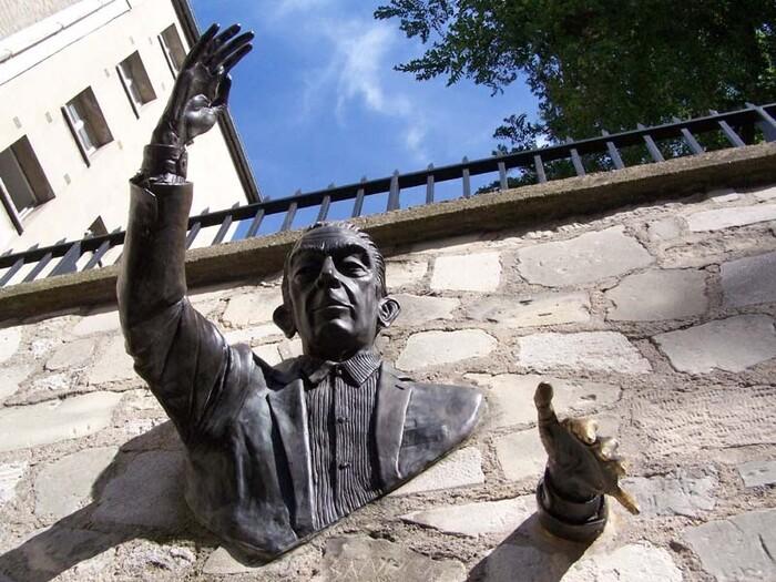 La plus étonnante statue de Montmartre