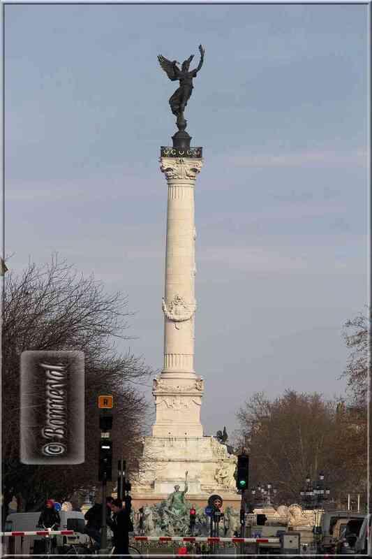 Aquitaine Gironde Bordeaux Place des quinconces monument aux girondins