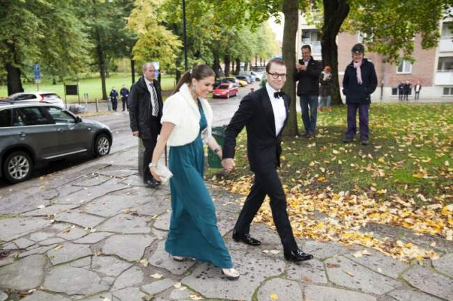 Victoria et Daniel à un mariage