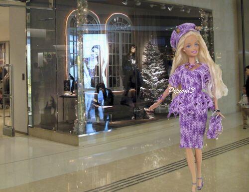Barbie porte le modèle Parisse