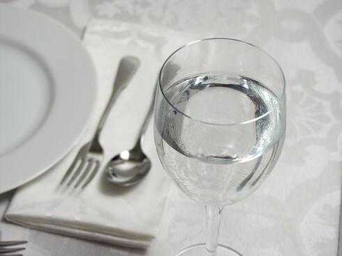 Est-il permis d'ouvrir un restaurant en France durant la journée du mois de Ramadan ?-
