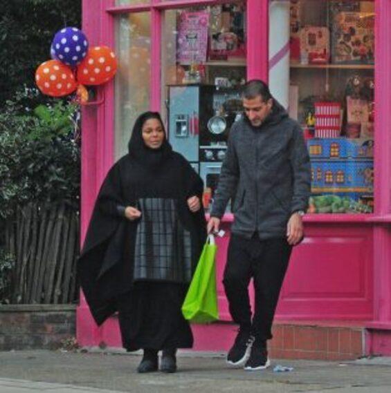 Janet Jackson en Niqab Abaya Hijab enceinte avec Wissam Al Mana3