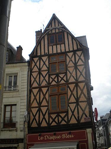 Annick à Tours 974