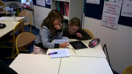 travail collaboratif ce2 cm1 sur la division avec les tablettes