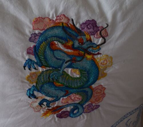 Broderie : les dragons