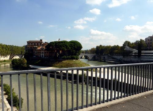 VOYAGE A ROME - 3- LA TRAVERSEE DU TIBRE