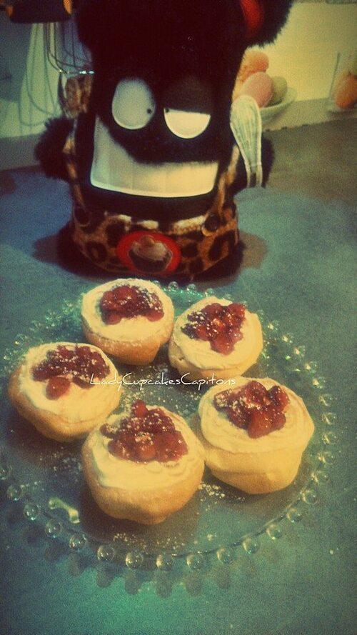 Crêpes soufflées ,meringue suisse et compoté de fraises au sirop d'érable #Defi0.0chuut #2