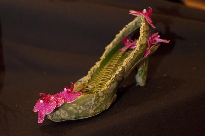 Escarpins floraux réalisés par Françoise Weeks