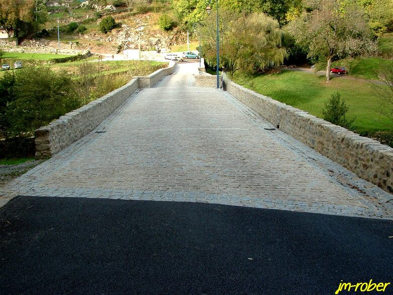 Chateauponsac, le pont dit Romain .