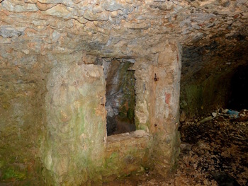 La citerne à l'intérieur de la cave