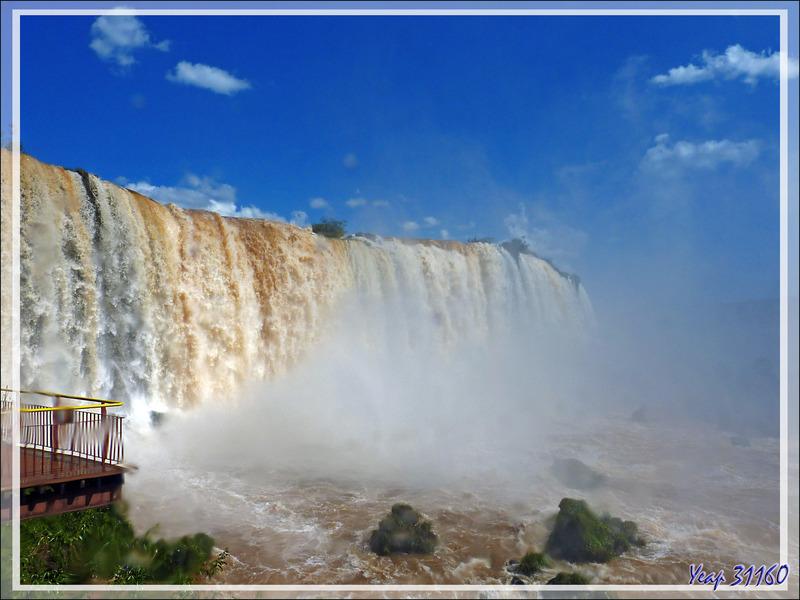 Tout près de la grande chute d'Iguaçu côté brésilien - Foz do Iguaçu - Brésil