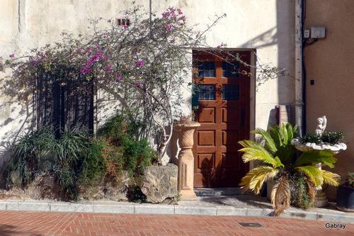 Baixas ( Pyrénées-Orientales) : portes et fenêtres