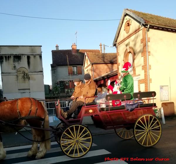 Le Père Noël est passé au RPI de Belan sur Ource et de Brion sur Ource  !