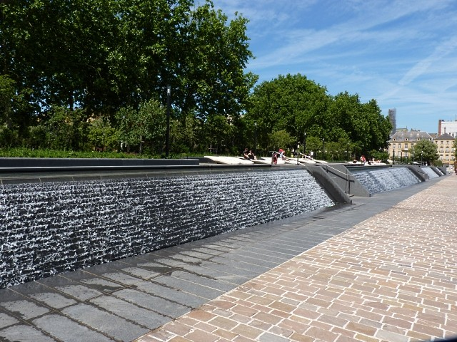Fontaine rivière à Metz 5 Marc de Metz 05 09 2012