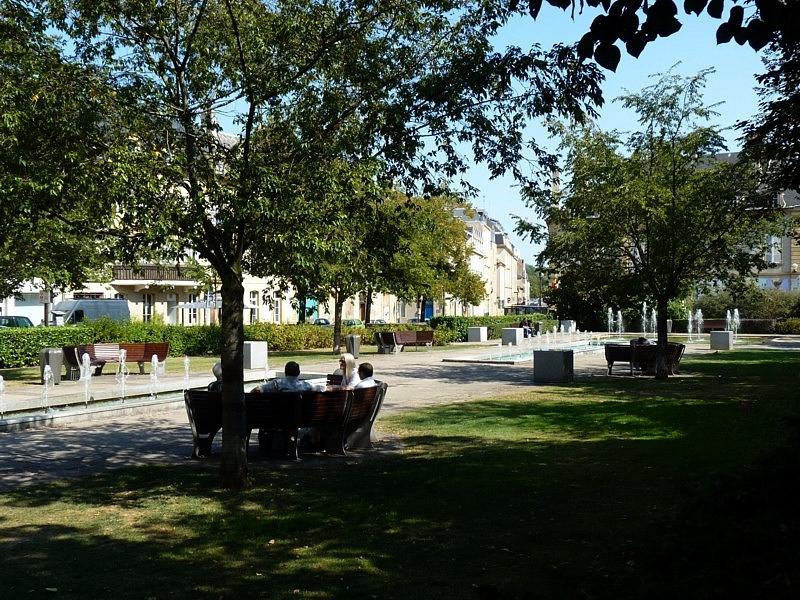 Fontaines de Metz / La place Saint-Thiébault...