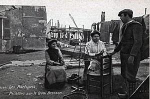 cartes-postales-photos-Pecheurs-sur-le-Quai-Brescon-MARTIGU