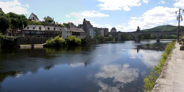Argentat, rive gauche de la Dordogne