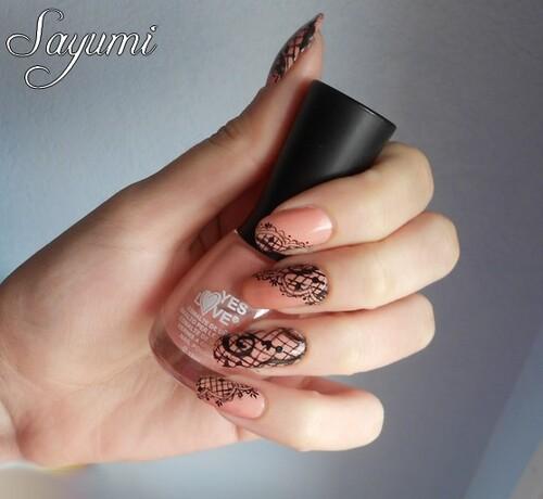 Nail Art Dentelle et Résille