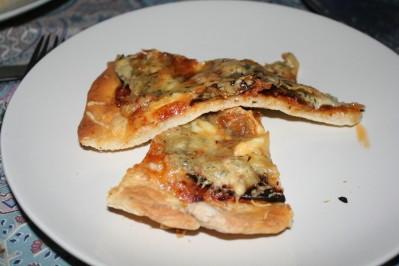 pizza-piquante-aubergine-chevre-10-11--1-.JPG