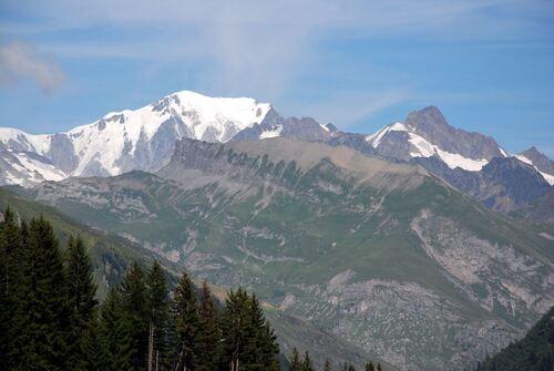 Vue sur les sommets enneigés, 'arrière du Mont blanc'