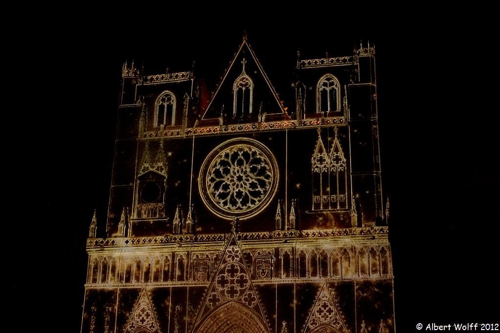 Lyon ou la symphonie des lumières : la primatiale St Jean
