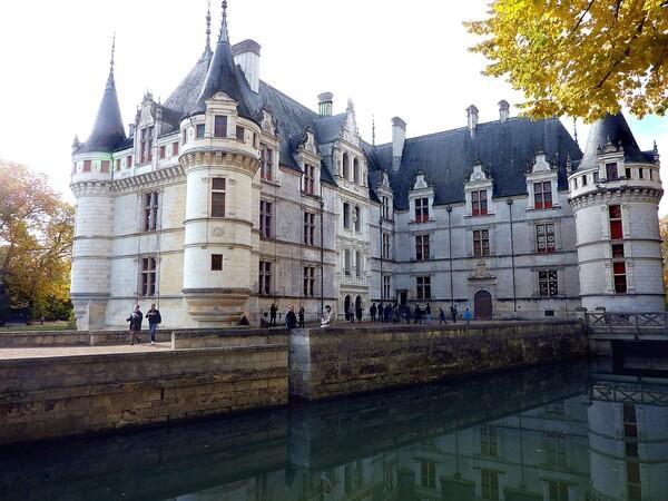Azay-Le-Rideau-facade-avant-2.jpg