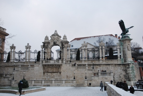Budapest; quartier du zâteu sous la neize (photos)