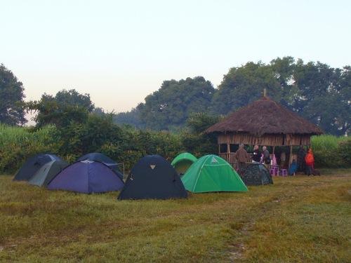 le soleil se lève sur notre camp