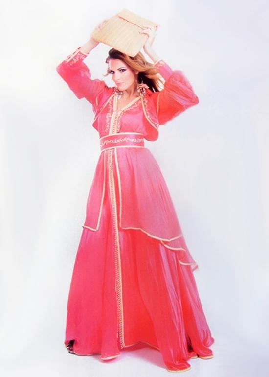 Caftan-marocain-2015-pas-cher-pour-mariage-oriental-caftan-rouge-en-ligne-et--sur-mesure-KAF-S866