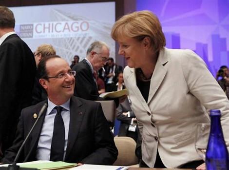 Hollande enveloppe le traité austéritaire dans un paquet cadeau