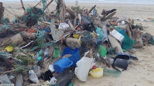 Nos pauvres plages du sud ouest, avec l'Atlantique qui se déchaine