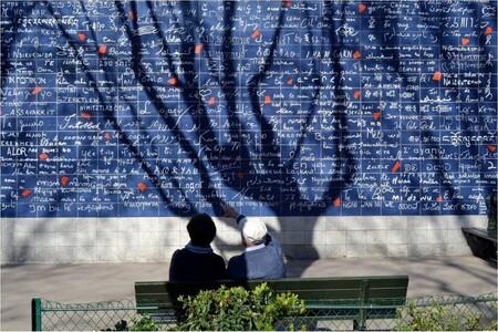 Le mur des je t'aime, une œuvre du cœur aux Abbesses