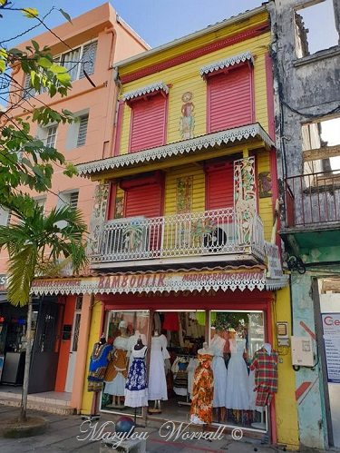 La Martinique : Maisons créoles et autres