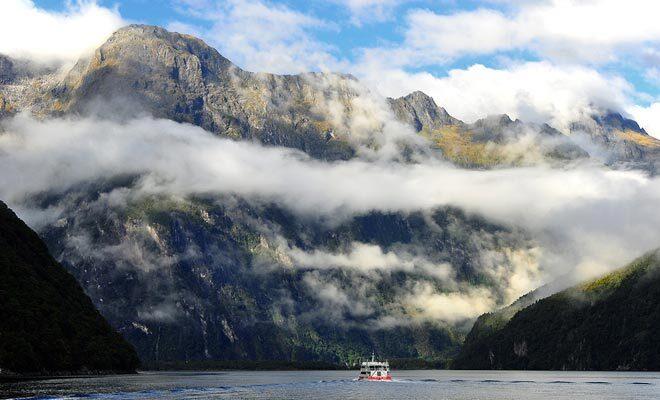 Résultat du chevauchement de deux plaques tectoniques, la Nouvelle-Zélande est la partie immergée d'un gigantesque continent sous-marin baptisé Zealandia.