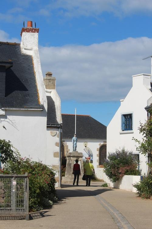 """le village un dimanche  """"houat"""""""