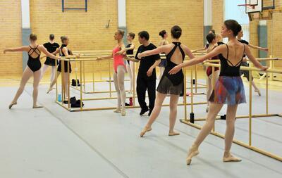 dance ballet class vaganova ballet
